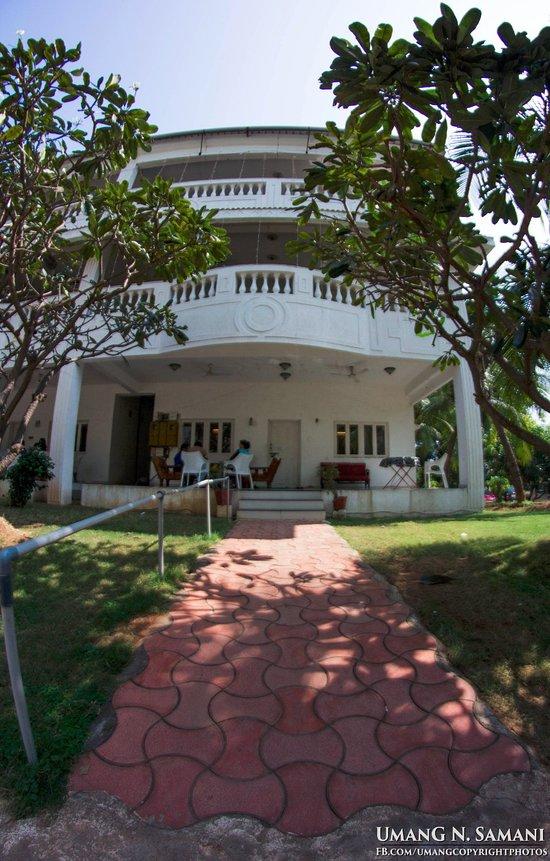 JASH VILLA (Daman, Daman and Diu) - Lodge Reviews & Photos