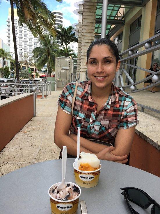 Haagen Dazs Miami Beach