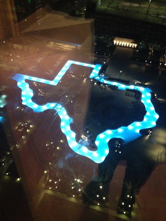 The Texas Shaped Lazy River Pool Picture Of Marriott Marquis Houston Houston Tripadvisor