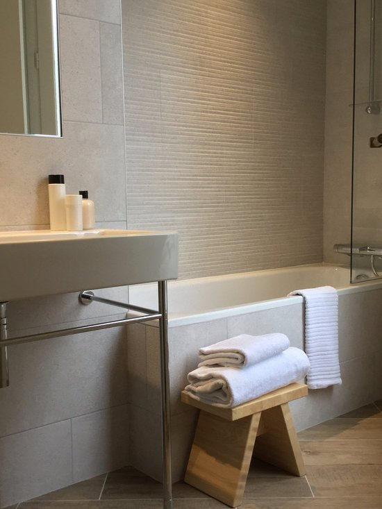 NEUVILLE ARC DE TRIOMPHE HOTEL ab 82€ (1̶0̶6̶€̶ ...