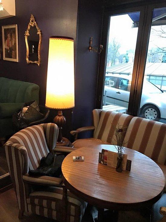 caf bar lounge botschaft d sseldorf restaurant bewertungen telefonnummer fotos tripadvisor. Black Bedroom Furniture Sets. Home Design Ideas
