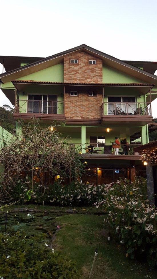 El Oasis Hotel & Restaurant