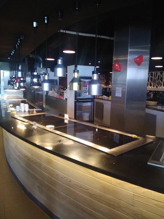 restaurant numero 1 la ville du bois restaurant reviews. Black Bedroom Furniture Sets. Home Design Ideas