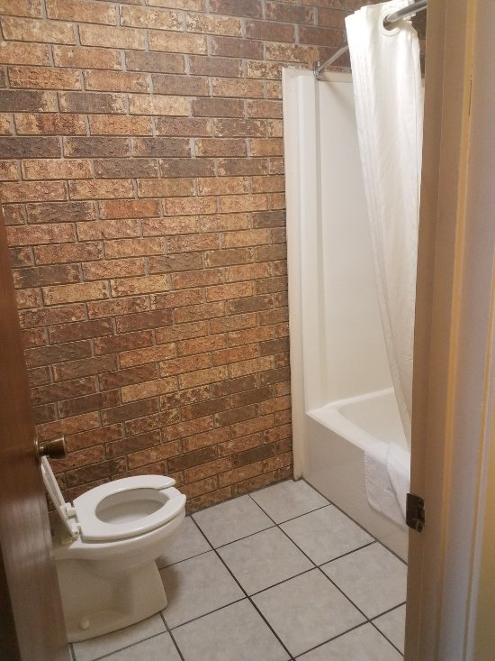 Again, love the brick, nice tile floors.