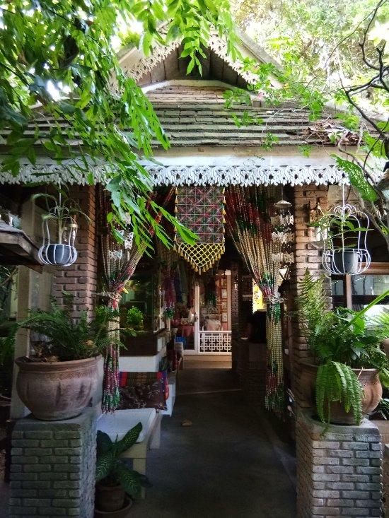 Suan Doi House Hotel & Resort