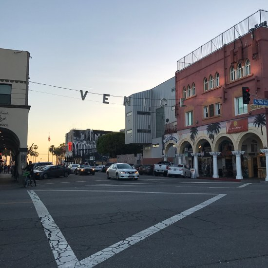 Apartment Locator Los Angeles: Venice Beach Boardwalk (Los Angeles, CA): Top Tips Before