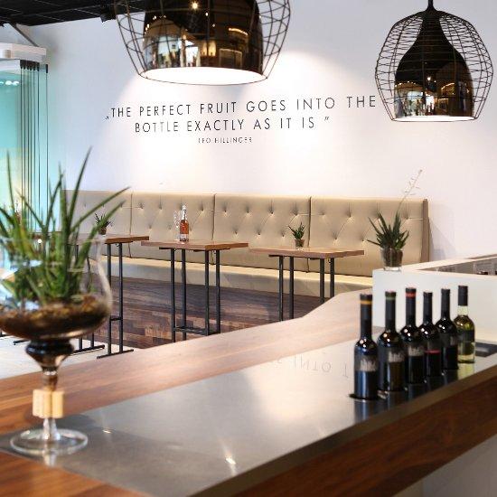 Leo HILLINGER Wineshop   Bar Designer Outlet Parndorf - recenzie ... 24eb05b1052