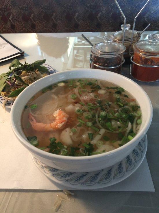 Mekong authentic vietnamese cuisine sandusky restaurant for Authentic vietnamese cuisine