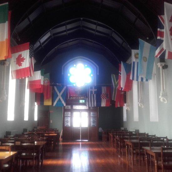 International Dining Room: Dublin International Youth Hostel