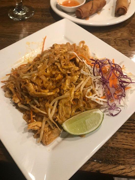 Thawan thai cuisine norman restaurant reviews phone for Asian cuisine norman oklahoma