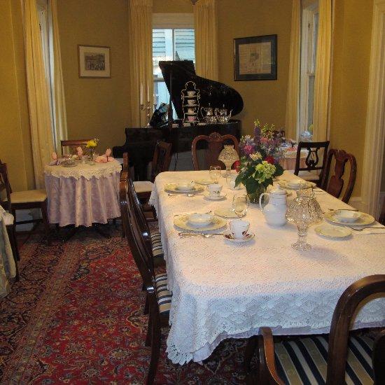 The Spring Seasons Inn Tea Room