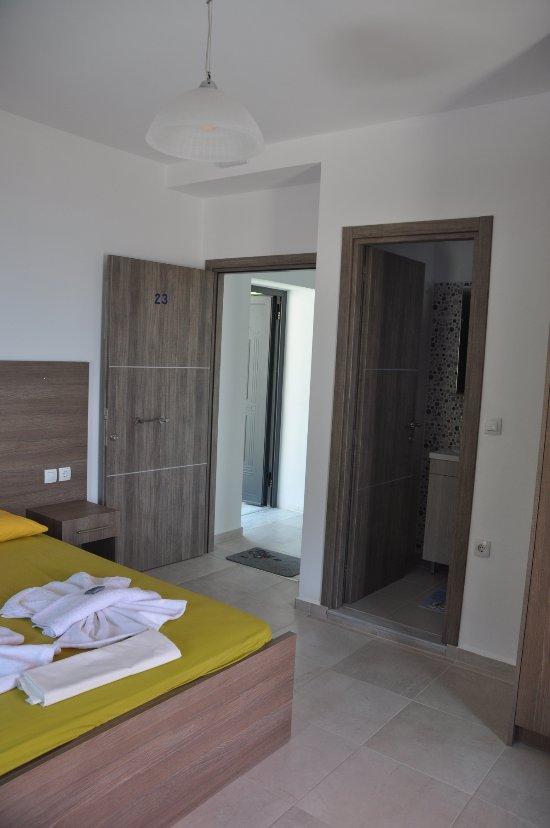 Paralia Rooms