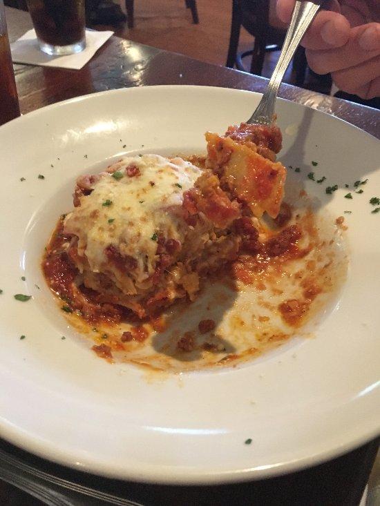 Italian Restaurant Near Me: Biaggi's Ristorante Italiano, West Des Moines