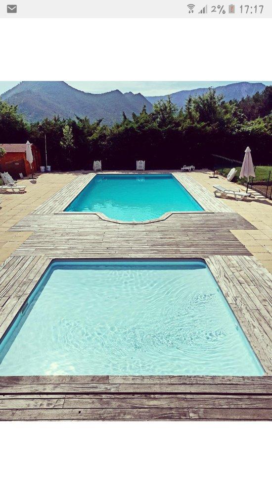 Camping la sapinette quillan france voir les tarifs for Camping carcassonne avec piscine