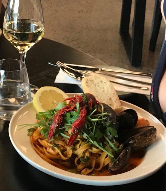 Pier 31: Pier 31 Italian Food & Wine, Lysaker