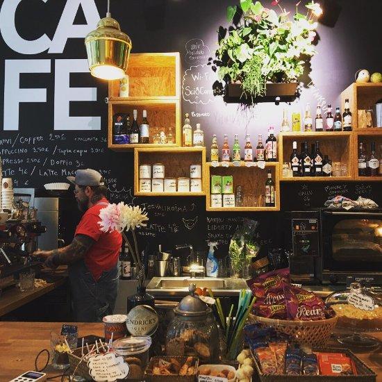 Tiedekulma cafe bar helsinki restaurant reviews for Kiila food bar 00100 kalevankatu 1 helsinki suomi
