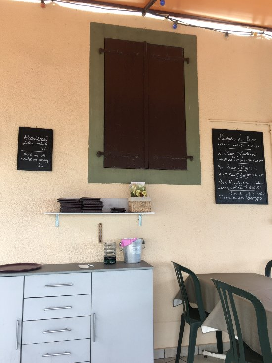 cafe du raisin st saphorin lavaux ruelle romaine 1 restaurant avis num ro de t l phone. Black Bedroom Furniture Sets. Home Design Ideas