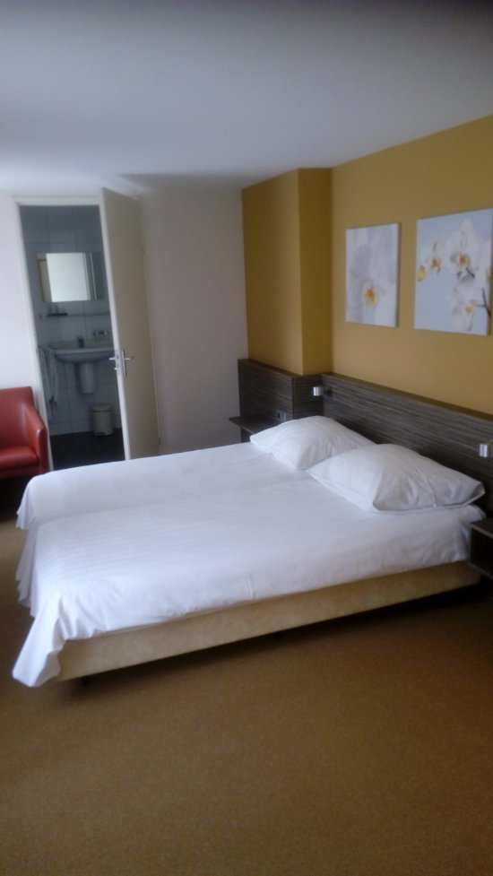 Hotel de kroon prices reviews epen the netherlands tripadvisor for Slaapkamer berg