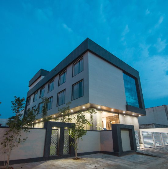 Sapphire inn updated 2017 prices hotel reviews jaipur for F salon jaipur prices