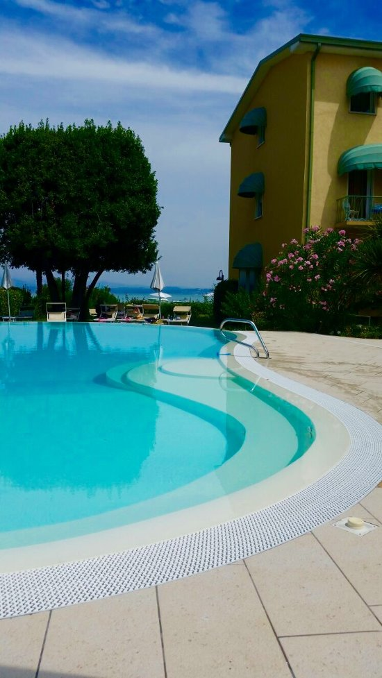 Hotel europa updated 2017 reviews price comparison sirmione lake garda italy tripadvisor for Hotels in lake garda with swimming pool