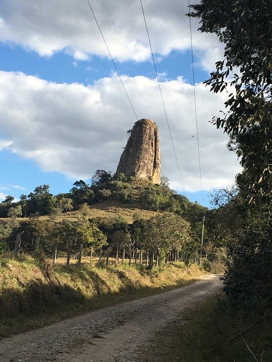 Torre de Pedra São Paulo fonte: media-cdn.tripadvisor.com