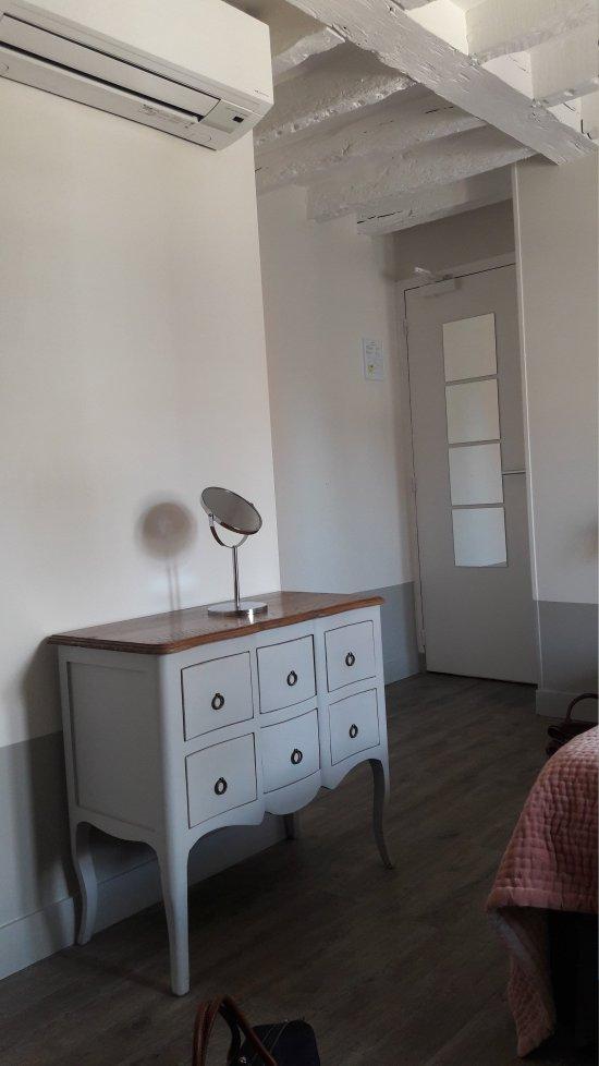 hotel l 39 adresse tours france voir les tarifs 77 avis. Black Bedroom Furniture Sets. Home Design Ideas