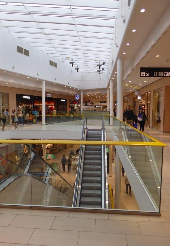 erikslunds shopping center västerås öppettider