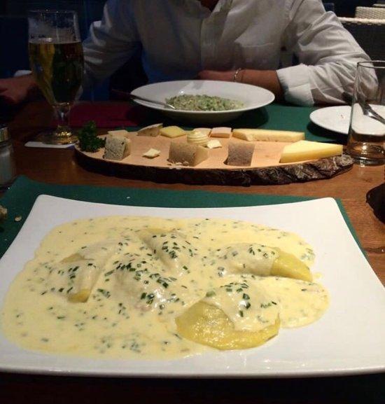 Ristorante restaurant pizzeria acquafun in bolzano bozen for B cucina e pizza