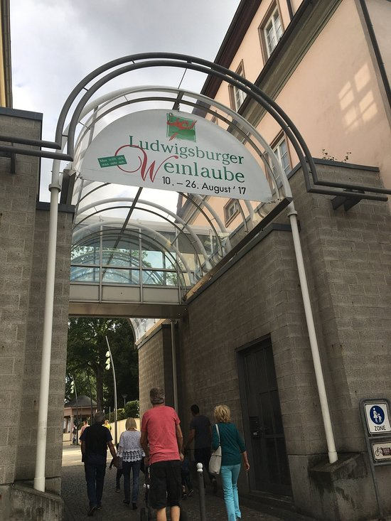 ratskeller ludwigsburg restaurant reviews phone number photos tripadvisor. Black Bedroom Furniture Sets. Home Design Ideas