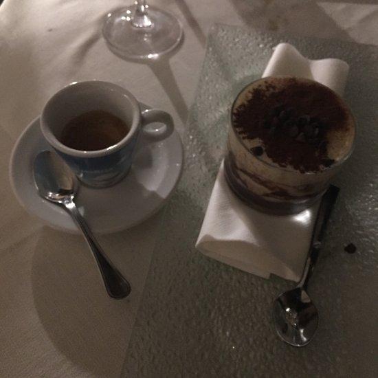 Ristorante la tavernetta 48 in roma con cucina cucina for Piatti tipici cucina romana