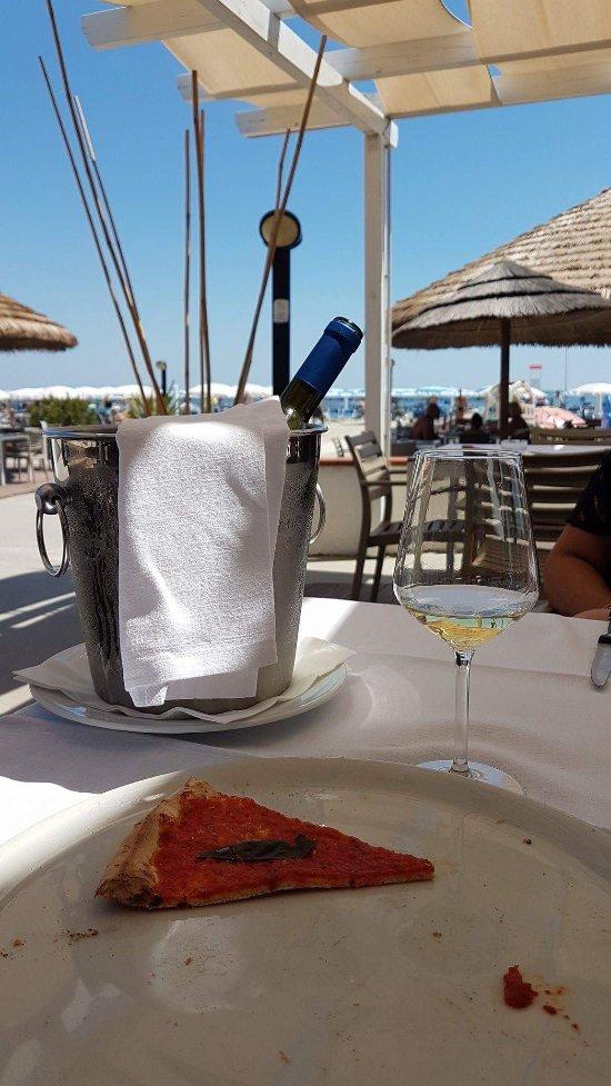 Baia tahiti ristorante lido delle nazioni restaurant reviews phone number photos tripadvisor - Bagno tahiti lido delle nazioni ...