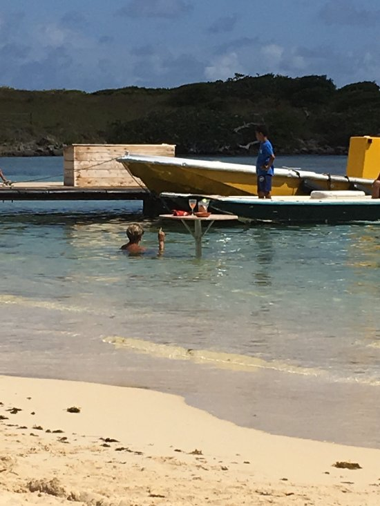 Yellow Beach Restaurant Pinel Island