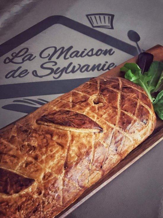 La maison de sylvanie entraigues sur la sorgue restaurant reviews photos tripadvisor - La table d or entraigues sur la sorgue ...