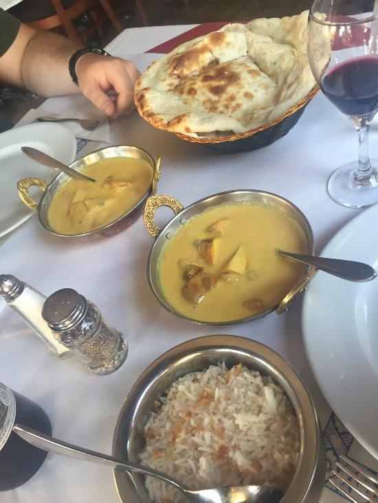 Aladdin repentigny restaurant reviews phone number for Aladdin indian cuisine