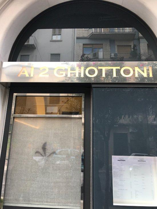 Ai 2 ghiottoni bari restaurantanmeldelser tripadvisor for Ai 2 ghiottoni bari