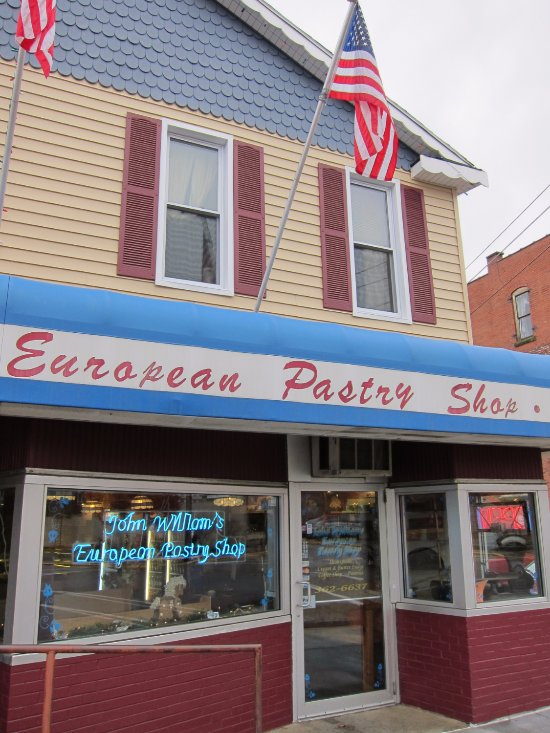 Cute pastry shop with very reasonable prices. Located in Bradford's National Historic District.