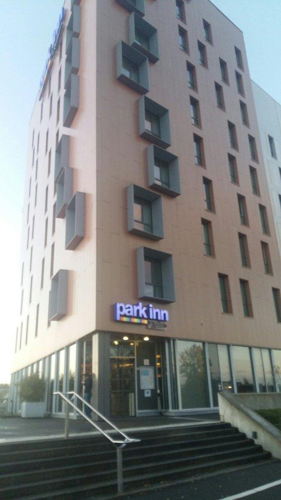 park inn by radisson lille grand stade villeneuve d 39 ascq frankrig hotel anmeldelser. Black Bedroom Furniture Sets. Home Design Ideas