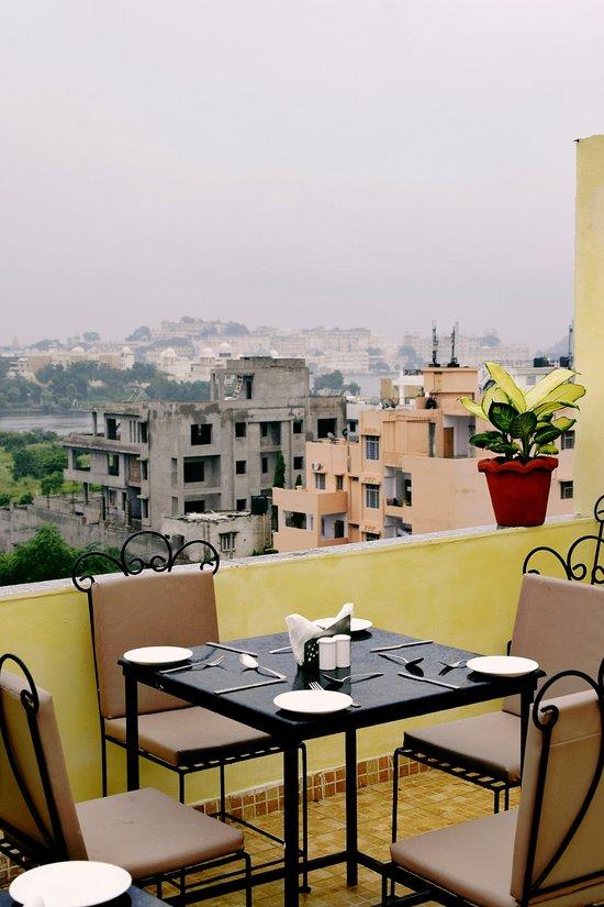 HOTEL PAHELI PALACE (Udaipur, Rajasthan) - Inn Reviews