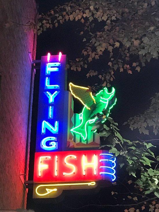 Flying fish of little rock restaurant avis num ro de for Flying fish little rock