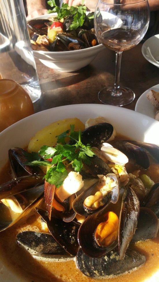 Le coelacanthe saint rapha l restaurant avis num ro de - Restaurant port santa lucia st raphael ...