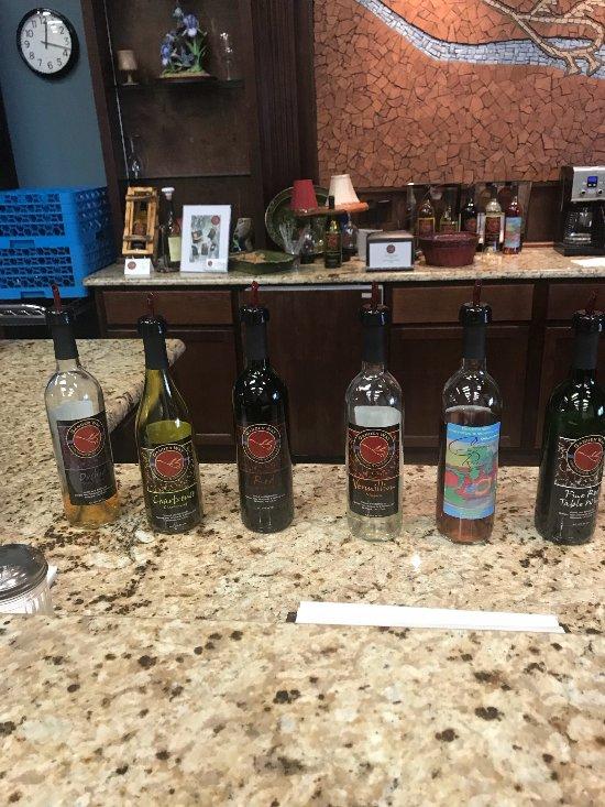 Things To Do in Gander Way Winery, Restaurants in Gander Way Winery