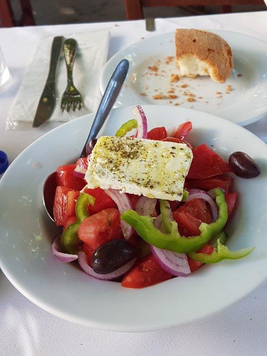 Taverna acropolis ath nes monastir ki restaurant avis for Acropolis cuisine
