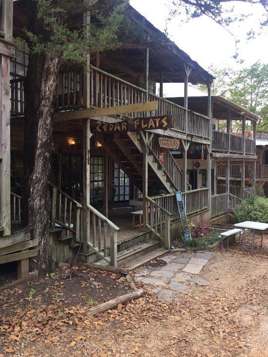 Cedar Flats Inn
