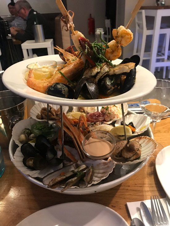 The seafood bar amsterdam museum quarter for Seafood bar van baerlestraat