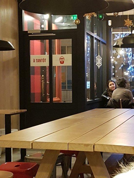 poutinebros rennes restaurant bewertungen telefonnummer fotos tripadvisor. Black Bedroom Furniture Sets. Home Design Ideas