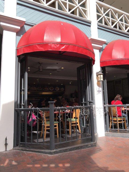 Cj S New York Style Delicatessen Honolulu Restaurant Reviews Phone Number Amp Photos