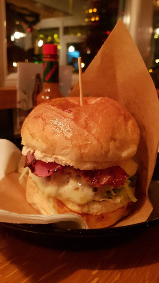 Burger bar zagreb restaurant reviews phone number for Food bar zagreb