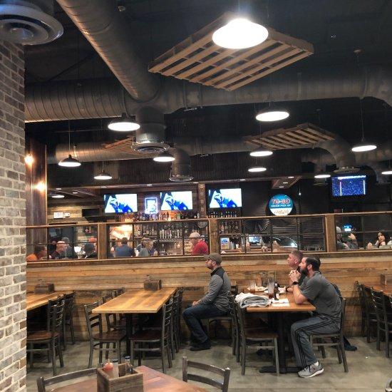 Mugshots Grill & Bar, Malbis - Restaurant Reviews, Photos
