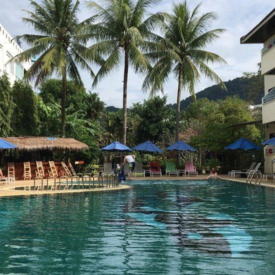 Karon Whale Resort Hotel