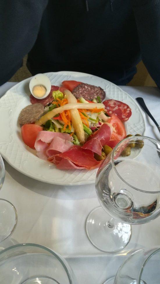 Restaurant pensio marfil la jonquera restaurant for Restaurant la jonquera